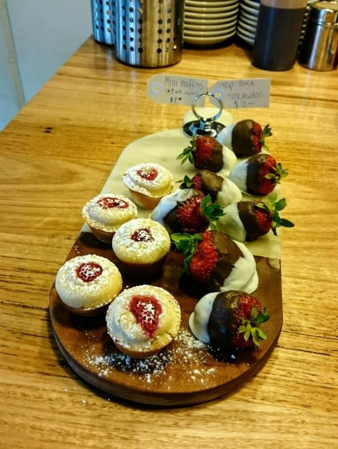 mini muffins and two-tone choc strawbs