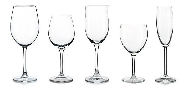 does the shape of a wine glass affect its taste & flavor