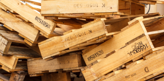 when buying second-hand timber pallets