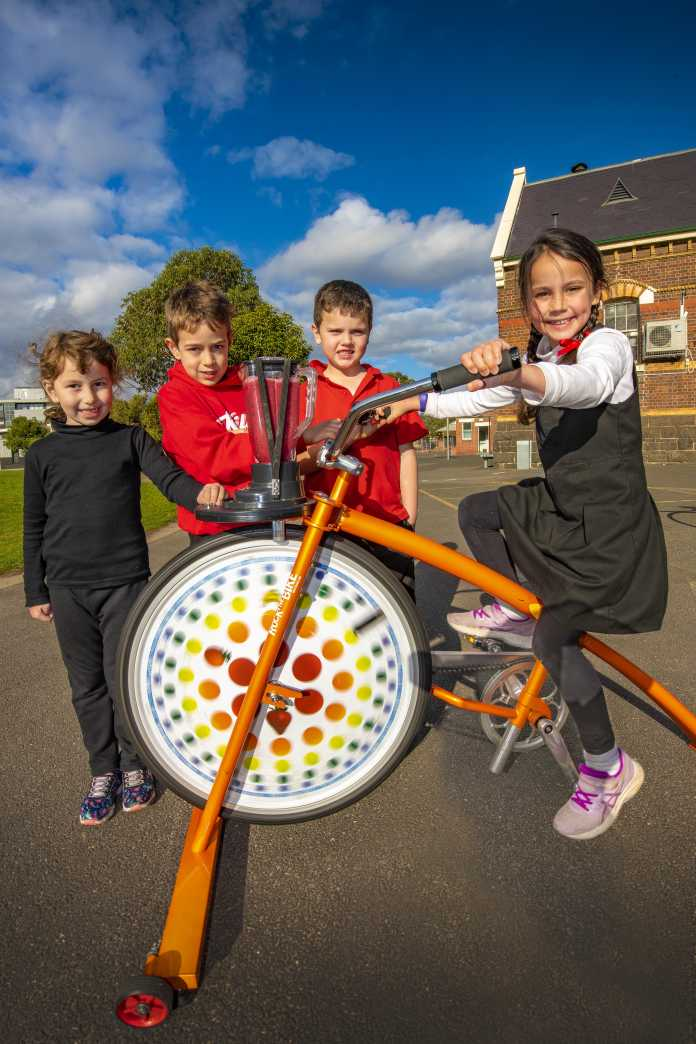 walk to school month strides into port phillip