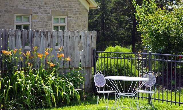 6 tips for finding the right fence for your home