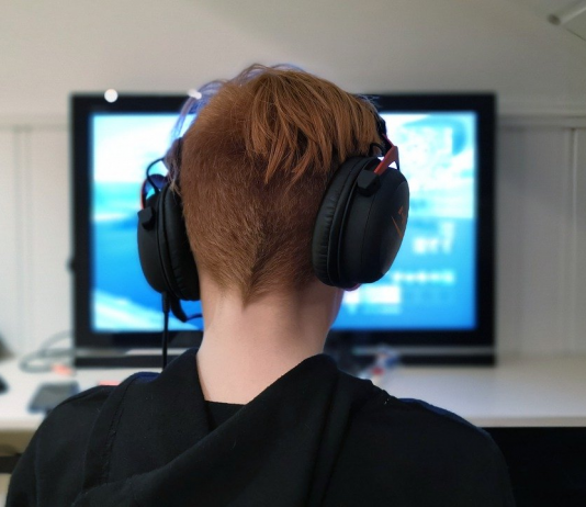 child cyber safety for online content and gaming