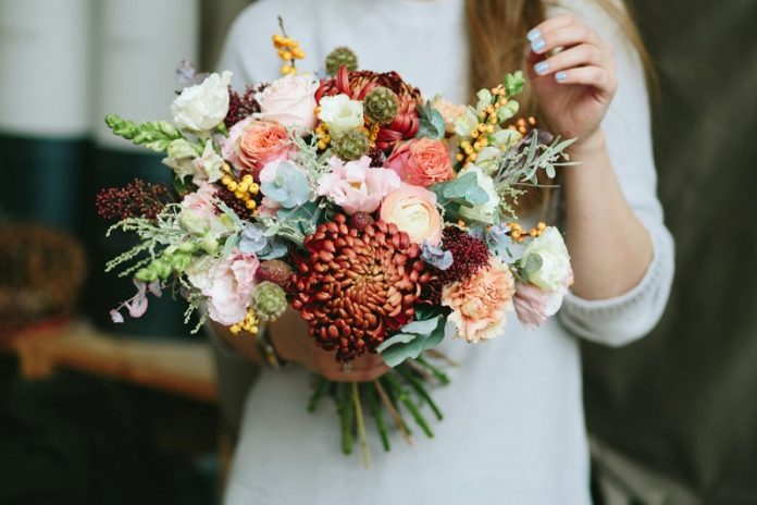 4 occasions when it is perfect to send flower bouquets across