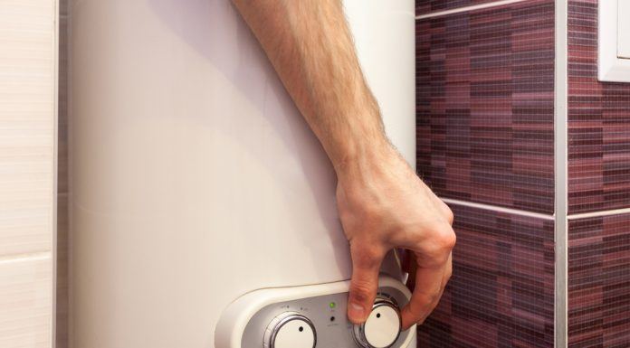 a complete guide on choosing the hot water systems
