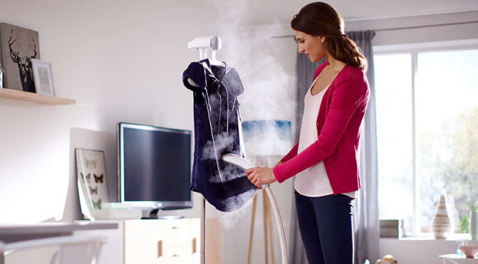 what is the difference between a garment steamer and an iron?