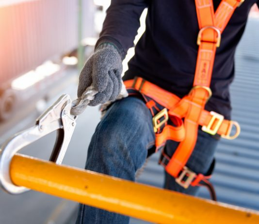 safe and accessible static lines fall protection systems to ensure the safety of workers