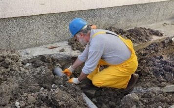 tips to hire a reputed blocked drain relining service provider