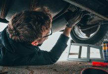 7 car repairs you should never do yourself