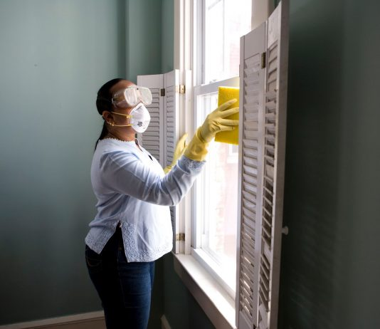 how to thoroughly clean your home