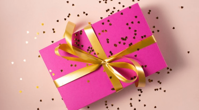 gifting ideas: what to gift something thoughtful & personalised?