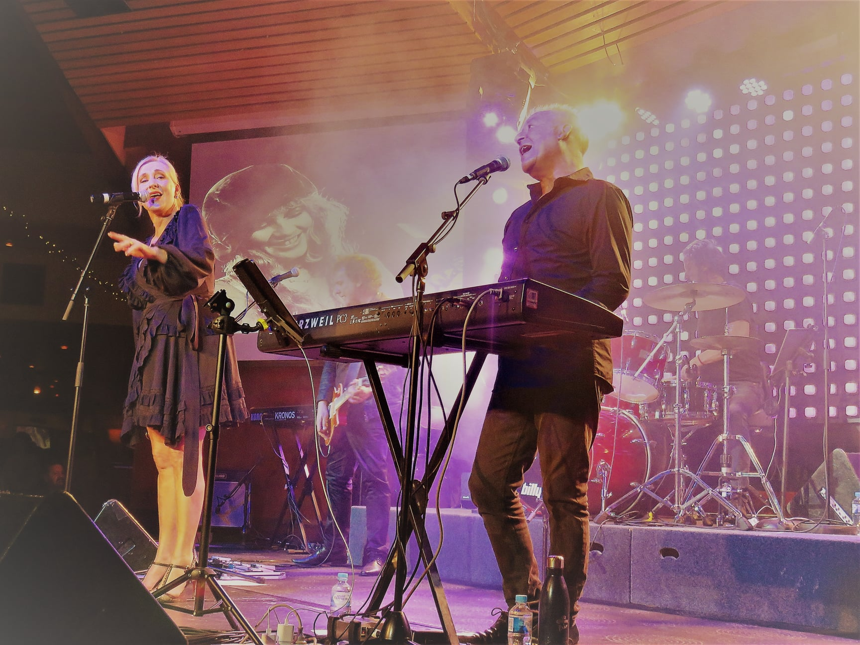 that radio chick cheryl lee reviews rumours – the fleetwood mac show