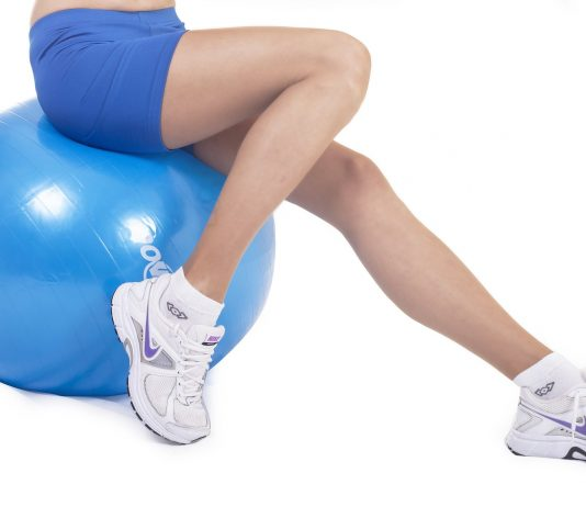 what are the ways to choose a hip replacement surgeon