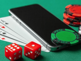 how to play at online casinos when travelling abroad?