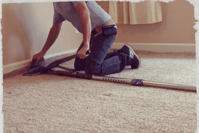 simple way of stretching carpet at home like a pro