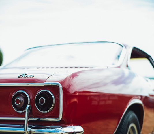 5 reasons you need to sell your old car for cash